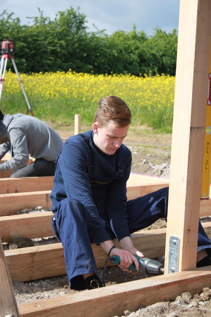 Jugendhilfe Direkt Schaufenster Clemens Apotheke Hüttenbau Garten der Stille 17062015_Seite_05_Bild_0002